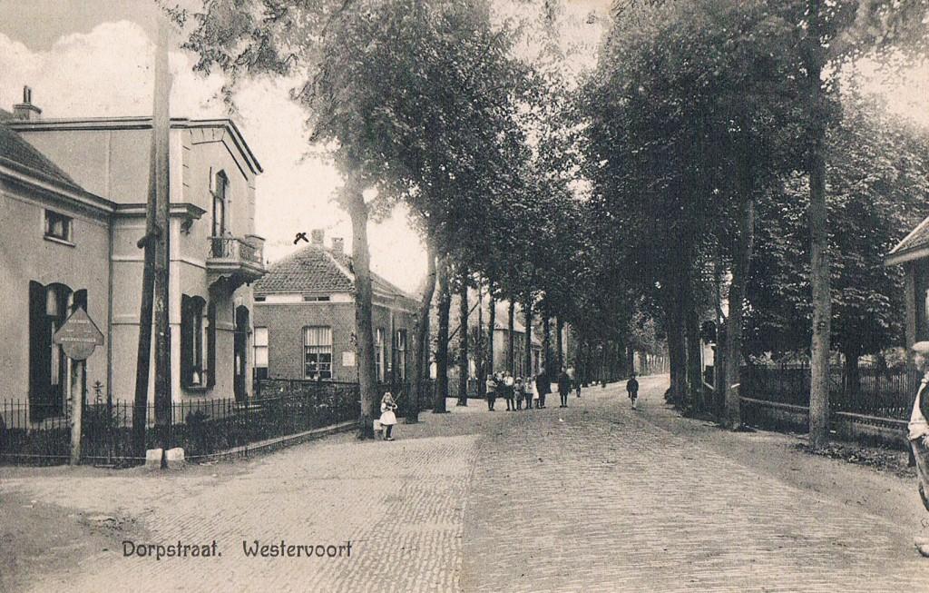 dorpstraat-hoek-kerkstraat-1927-verstuurd-naar-G-Duijs-in-Arnhem-door-A-Alink